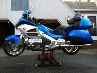 Lifting wing with motorcycle jack - Honda Goldwing Forums